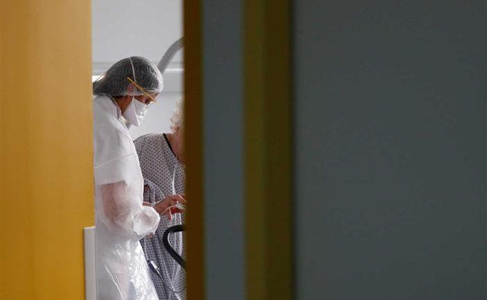 Κορονοϊός: Πρόβλεψη για επιδημική έκρηξη κάθε δεύτερο χρόνο