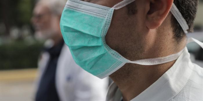 Σέρρες: Ξανά χειροπέδες στον αρνητή μάσκας