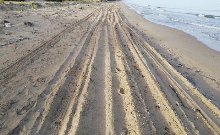 Δυτική Αχαΐα: Καταγγέλλει «κατοίκους χωριών» και ζητά να «τους κλείσουν μέσα»!
