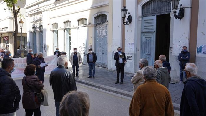 Πάτρα: Στο πλευρό των συνταξιούχων που διαμαρτύρονται ο Πελετίδης
