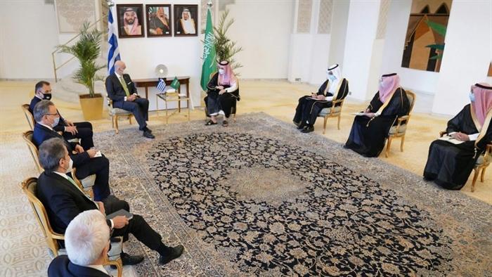 Υπεγράφη η αμυντική συμφωνία με Σαουδική Αραβία