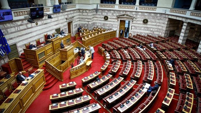 Φαρμακευτική κάνναβη: Πέρασε από την επιτροπή της Βουλής