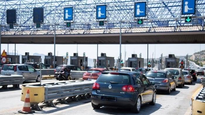 Αττική: Πάνω από 38.000 αυτοκίνητα πέρασαν σήμερα από τα διόδια