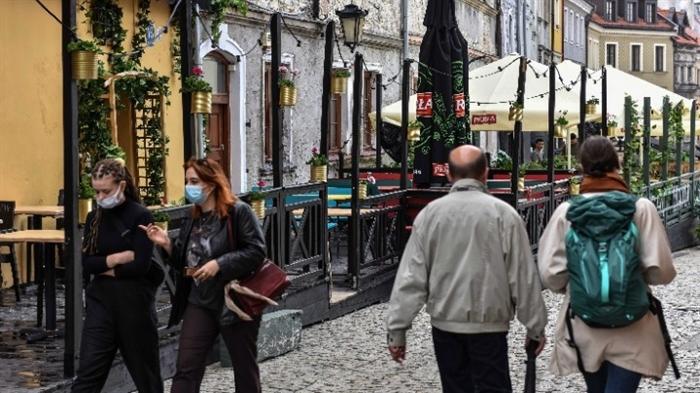 Πολωνία: Tζάκποτ στη λοταρία για ώθηση στην εκστρατεία εμβολιασμών