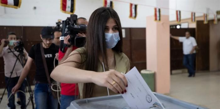 Συρία: Βέβαιη η επανεκλογή του Μπασάρ αλ Ασαντ - Ανοιξαν οι κάλπες