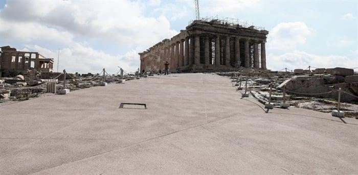 Ο Οίκος Dior έρχεται στην Ελλάδα να γιορτάσει τα 200 χρόνια από την Επανάσταση
