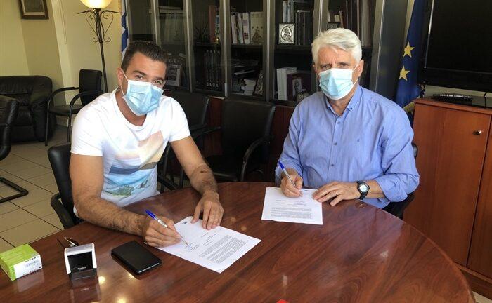 Δυτική Αχαΐας: Μυλωνάς και Ασκούνης υπέγραψαν την εργολαβία για την αγροτική οδοποιία στη Μόβρη