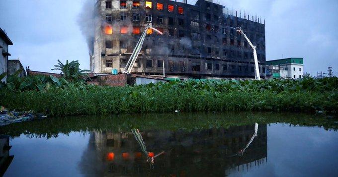 Μπαγκλαντές: Tραγωδία με πάνω από 50 νεκρούς από φωτιά σε εργοστάσιο