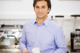 ΚΩΝΣΤΑΝΤΙΝΟΣ ΚΩΝΣΤΑΝΤΙΝΟΠΟΥΛΟΣ CEO COFFEE ISLAND