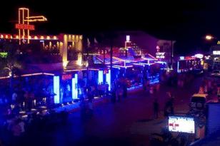Ζάκυνθος: Κορονοπάρτι με αέριο γέλιου σε ξενοδοχείο του Λαγανά