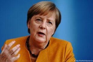 Μέρκελ: Οι διαφορές μεταξύ των μελών της ΕΕ θα πρέπει να επιλύονται με συζήτηση, όχι με δικαστικές προσφυγές