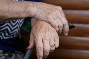 Ηλεία: Παρίστανε τον υπάλληλο της ΔΕΗ και έκλεψε ηλικιωμένη