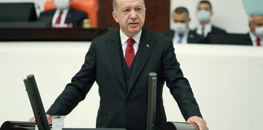Τα χάνει ο Ερντογάν: 54% των Τούρκων θεωρούν ότι το κόμμα του θα χάσει τις εκλογές του 2023