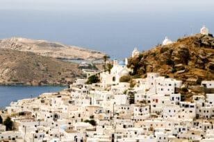 Χρυσοχοΐδης: Ορατός ο κίνδυνος να «κλείσει» η Ίος λόγω κορονοϊού