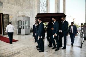 Τόλης Βοσκόπουλος: «Αθάνατος» φώναζε ο κόσμος στο τελευταίο αντίο ΦΩΤΟ - ΒΙΝΤΕΟ