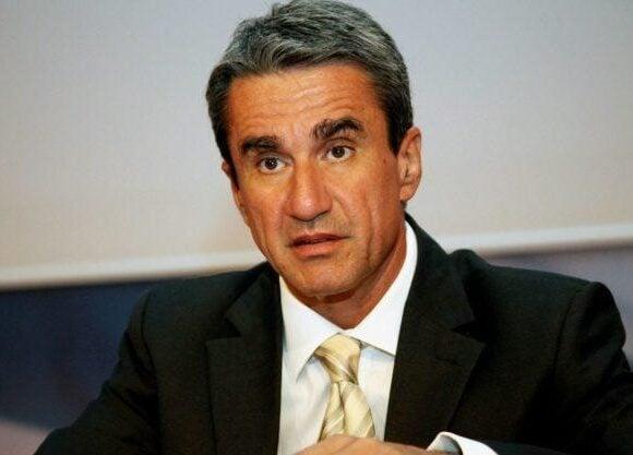 Ο Λοβέρδος για την υποψηφιότητα Παπανδρέου: «Αν θέλει να κατέβει, είναι ευπρόσδεκτος. Αν δεν θέλει, να μας το πει γρήγορα» ΒΙΝΤΕΟ