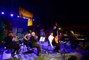 """Πάτρα: Ειδυλλιακή ατμόσφαιρα με μουσική και θέατρο για τις """"Μέρες Πανσελήνου"""" ΦΩΤΟ"""