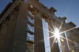 """Καύσωνας: Η Αθήνα φλέγεται - """"Σαχάρα"""" το κέντρο της πόλης"""