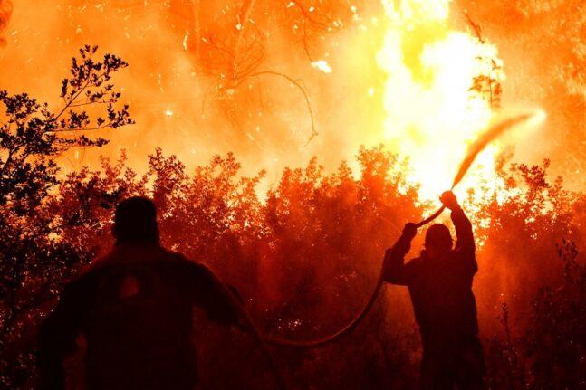 Πύρινη κόλαση στην Αττική - Εφιαλτική νύχτα - Εκκένωση νέων οικισμών - ΦΩΤΟ - ΒΙΝΤΕΟ - ΝΕΟΤΕΡΑ