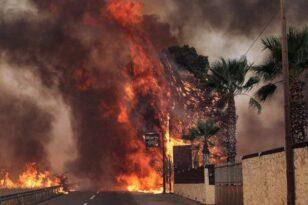 Φωτιά στη Βαρυμπόμπη: Πύρινος εφιάλτης - Ολονύκτια μάχη με τις φλόγες - Κάηκαν σπίτια - Εκκενώθηκαν οικισμοί - ΦΩΤΟ - ΒΙΝΤΕΟ