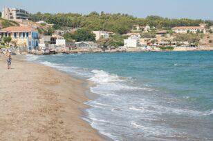 Ρέθυμνο: Διαρροή υγρών οδήγησε σε απαγόρευση κολύμβησης στα βόρεια του νομού