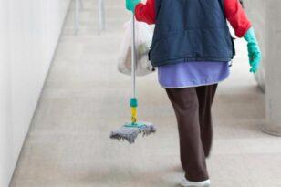 Πάτρα: 180 θέσεις σχολικών καθαριστριών με πλήρη απασχόληση θα προκηρύξει ο Δήμος