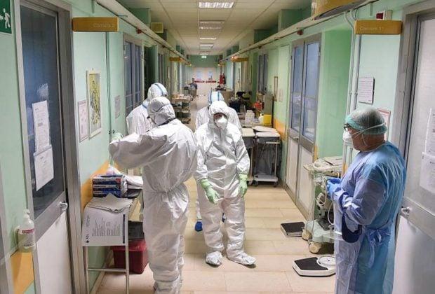 «Βουλιάζουν» από ανεμβολίαστους οι ΜΕΘ Covid στη Βόρεια Ελλάδα