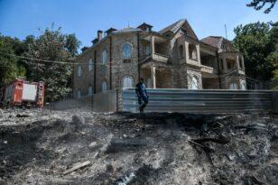 Μενδώνη για Τατόι: Τι περιείχαν τα 2 κοντέινερ που κάηκαν