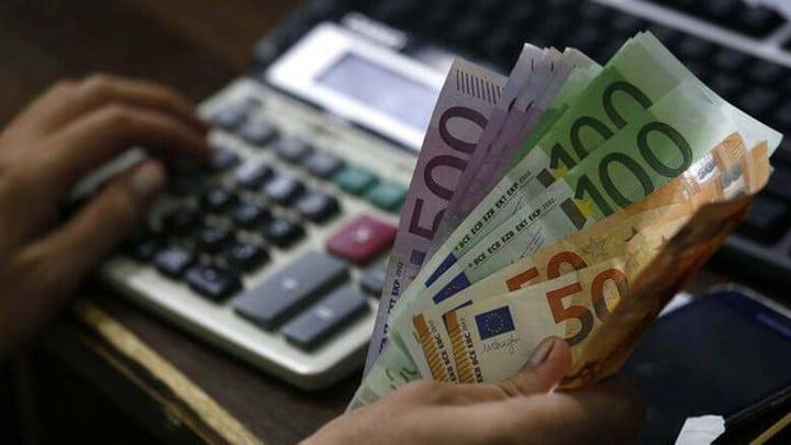 Επιστρεπτέα προκαταβολή: Ποιοι θα πληρώσουν λιγότερα