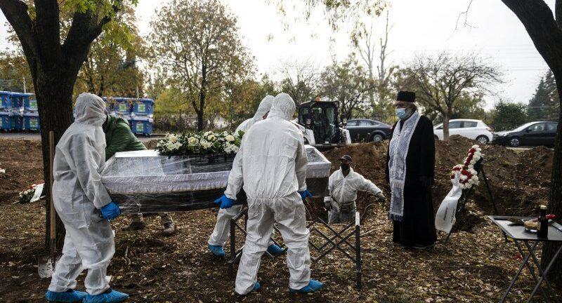 Αποκάλυψη: Αρνητές ζητούν εκταφή συγγενών τους για να διαπιστώσουν αν πέθαναν από κορονοϊό