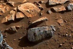 NASA: Τα πρώτα πέτρινα δείγματα δείχνουν μακροχρόνια ύπαρξη νερού στον Άρη