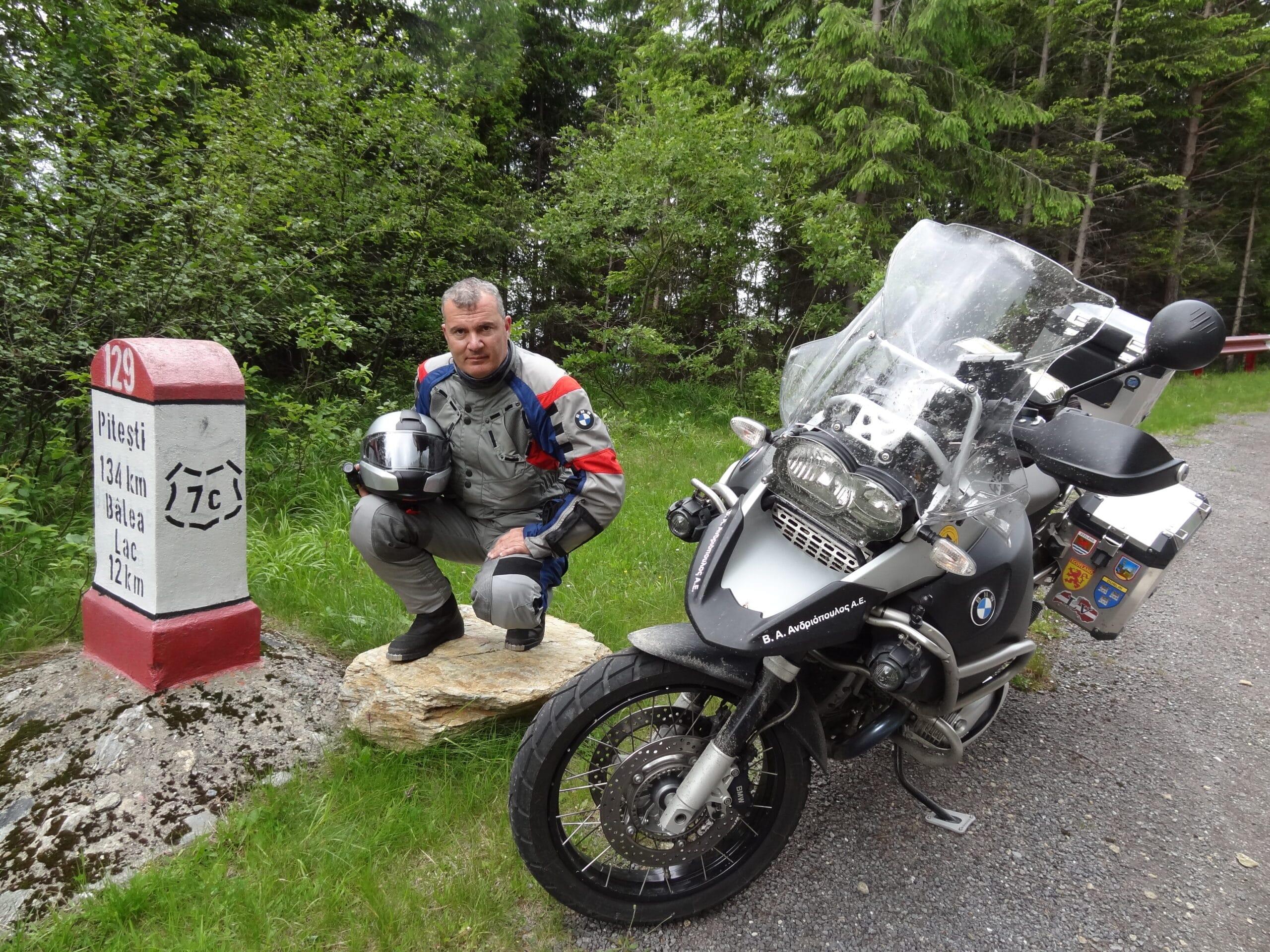 Ο Πατρινός Θανάσης Βαβαρούτας ταξίδεψε 7.700 χιλιόμετρα στην Ευρώπη, με μόνη παρέα τη μηχανή του - ΦΩΤΟ ΒΙΝΤΕΟ