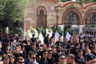 Πλήθος κόσμου στη κηδεία Mad Clip ΦΩΤΟ και ΒΙΝΤΕΟ