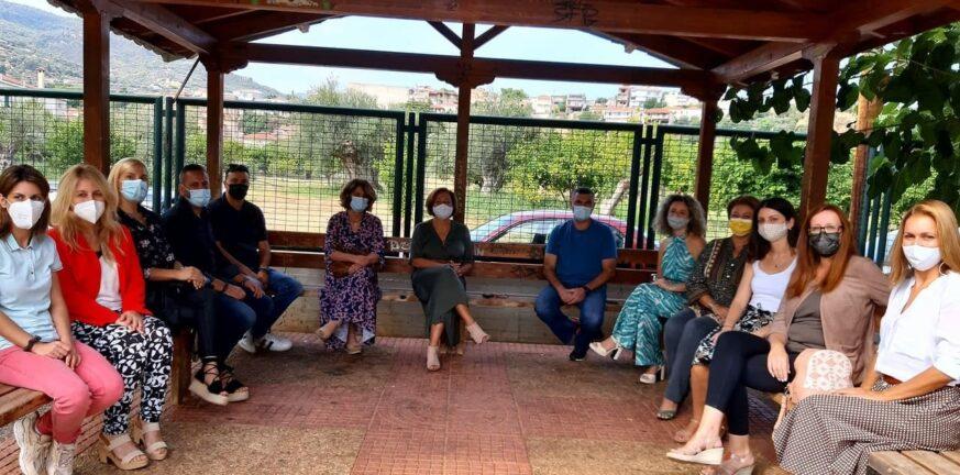 Ακράτα: Έχασαν τη μάνα, φρόντισαν παιδιά