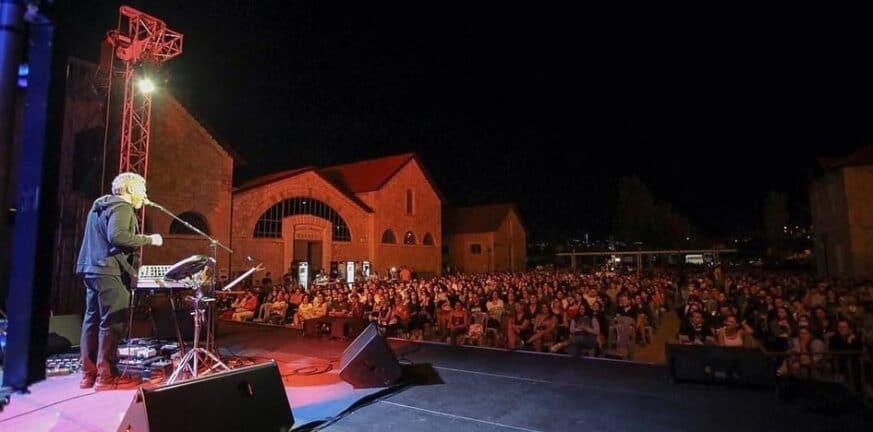 Αλκίνοος Ιωαννίδης: Μια συναυλία electric solo στο εργοστάσιο τέχνης στην Πάτρα