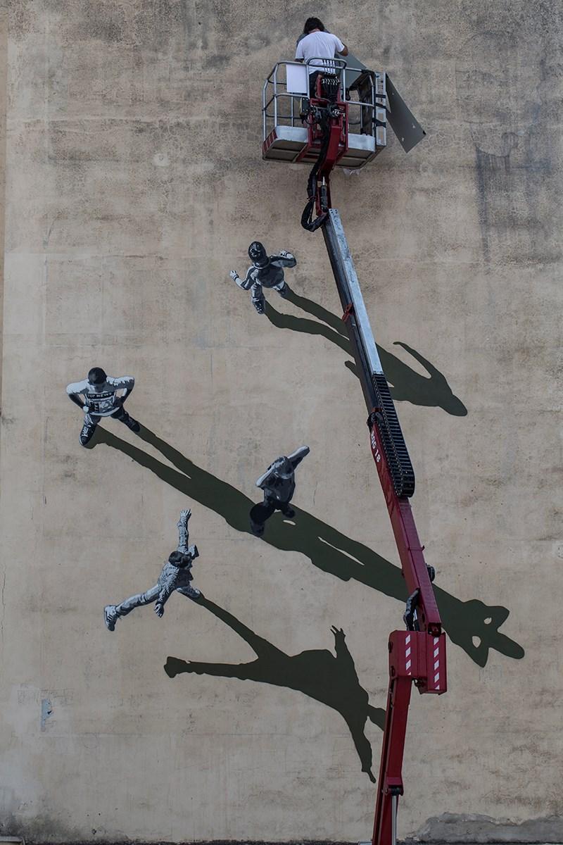 Ο Νορβηγός καλλιτέχνης Anders Gjennestad μιλάει στο pelop.gr για την 46η τοιχογραφία που ολοκληρώθηκε στην Πάτρα
