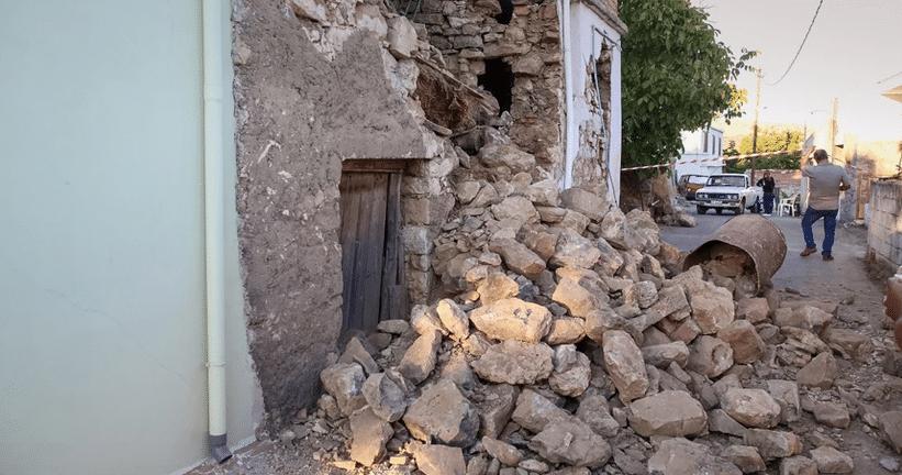 Επιδείνωση της κατάστασης στο Αρκαλοχώρι από τη νέα σεισμική δόνηση των 5,4 βαθμών – Νέες καταρρεύσεις
