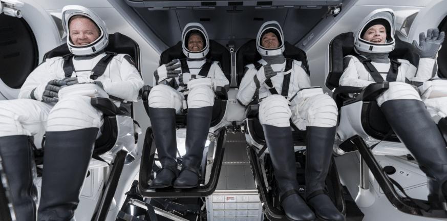 Οι τουρίστες του SpaceX συνομίλησαν με τον Τομ Κρουζ από το διάστημα