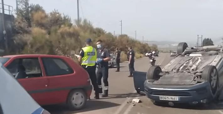Τροχαίο με ανατροπή οχήματος στην παράλληλο της Εθνικής Οδού Κορίνθου-Πατρών ΒΙΝΤΕΟ