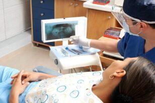 dentist 1639683 1920
