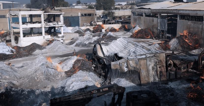 Ασπρόπυργος: Βίντεο από την φωτιά σε εργοστάσιο ξυλείας