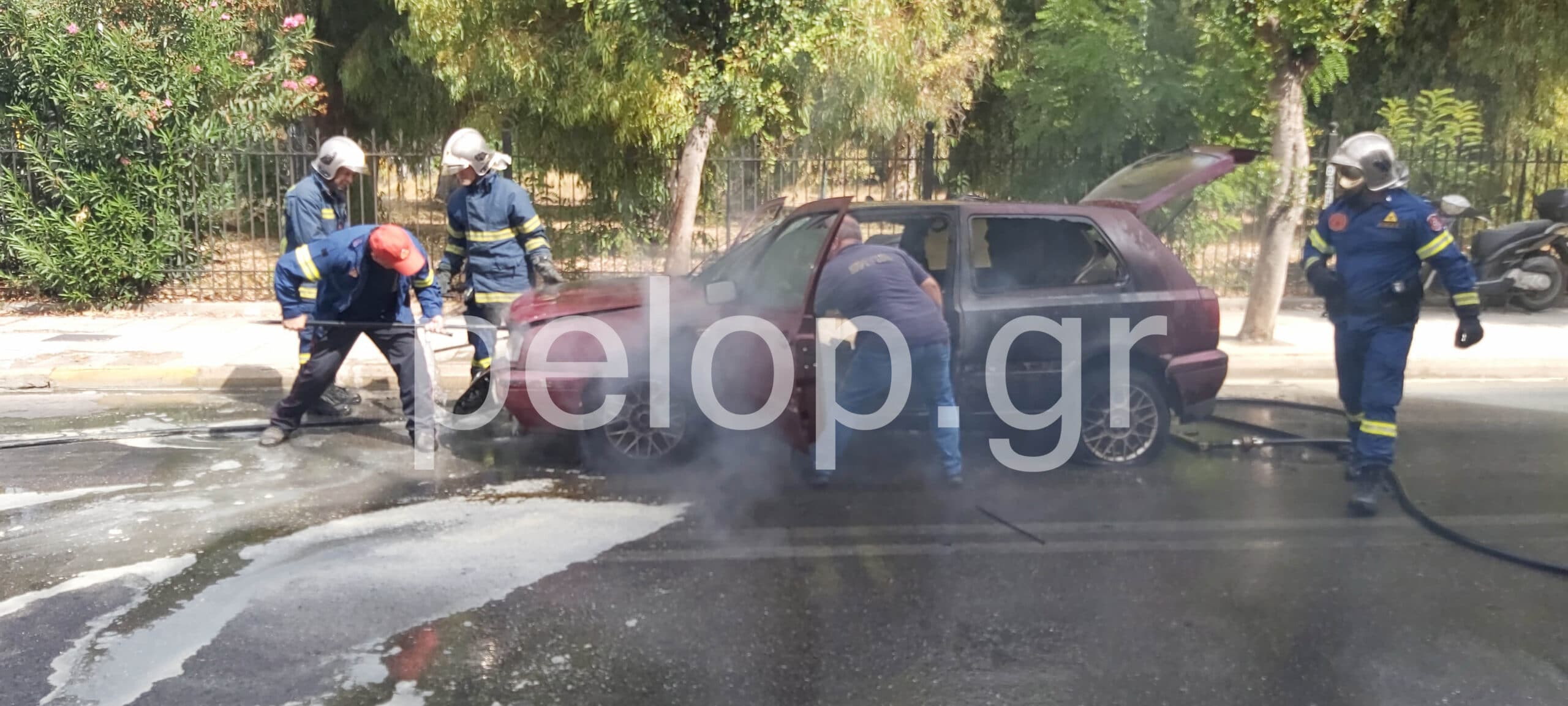 Πάτρα: Φωτιά εν κινήσει - Αυτοκίνητο κάηκε ολοσχερώς στην Παπαφλέσσα ΦΩΤΟ - ΒΙΝΤΕΟ
