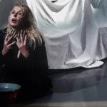Θέατρο Όροφως: Πρεμιέρα με τη «Γυναίκα της Ζάκυθος» σε σκηνοθεσία Άντζελας Μπρούσκου