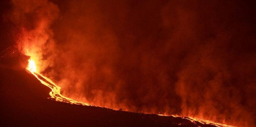 Ισπανία: Έφτασε στον ωκεανό η λάβα από το ηφαίστειο στη Λα Πάλμα - Συγκλονιστικές εικόνες
