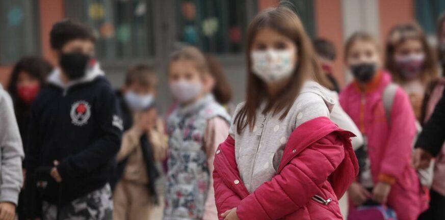 Κορονοϊός: Έντονη ανησυχία για την υπερμετάδοση στα παιδιά – Δεν αποκλείονται νέα μέτρα