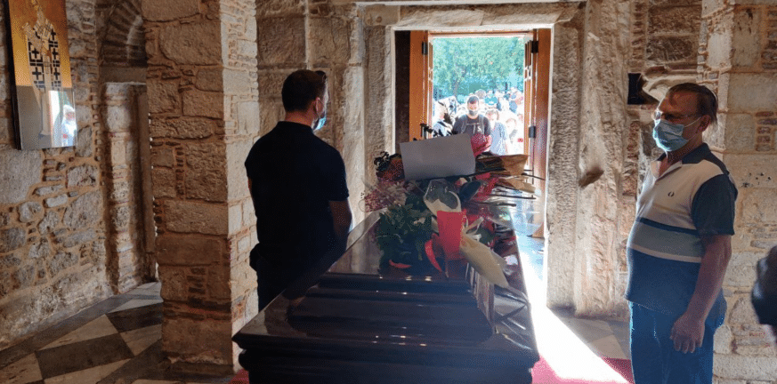Τι αναφέρει η συμβολαιογραφική πράξη με την τελευταία επιθυμία του Μίκη Θεοδωράκη