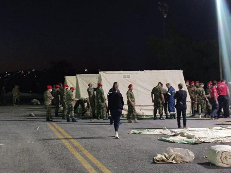 Σεισμός - Κρήτη: Σε σκηνές και αυτοκίνητα διανυκτέρευσαν κάτοικοι στο Αρκαλοχώρι - ΦΩΤΟ - ΒΙΝΤΕΟ