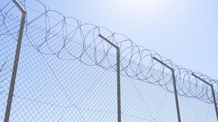 Γιατροί Χωρίς Σύνορα: «Κέντρο- φυλακή» η νέα κλειστή ελεγχόμενη δομή στη Σάμο
