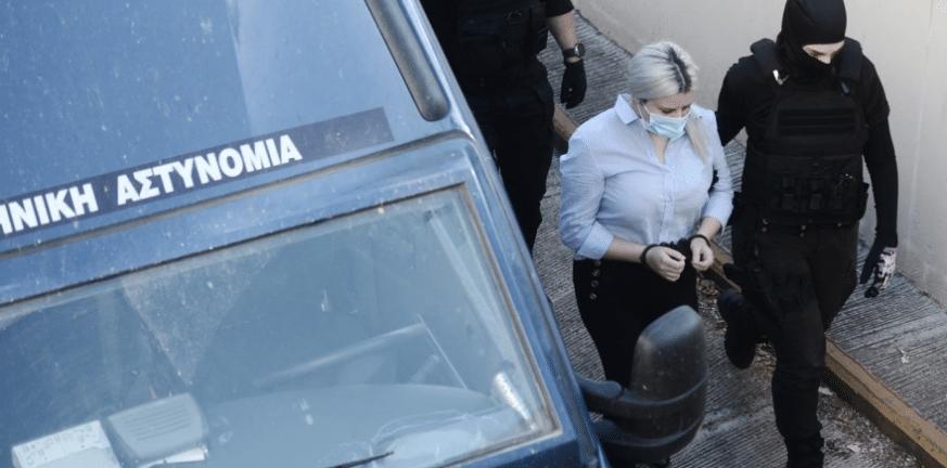 Επίθεση με βιτριόλι: Πως περνάει στη φυλακή η κατηγορούμενη ΒΙΝΤΕΟ