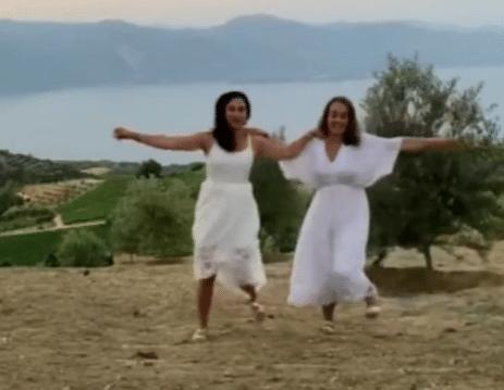 Αιγιαλεία: Χόρεψαν Ζορμπά σε Ζήρια και Λαμπίρι για τον Μίκη ΒΙΝΤΕΟ